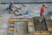 Alapozás és térkövezés